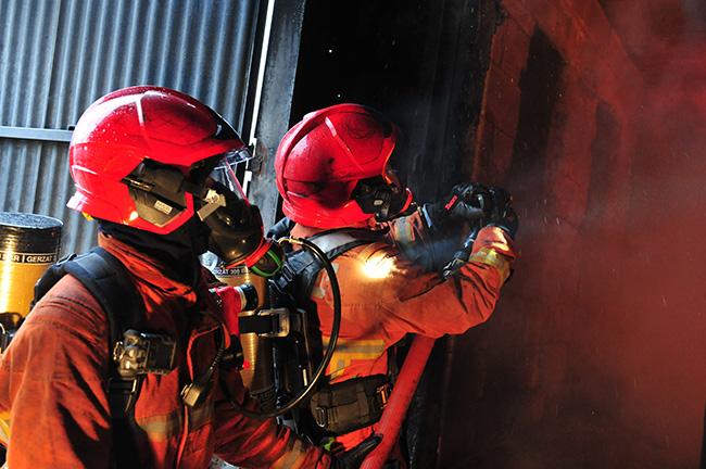 strażak w naszym hełmie